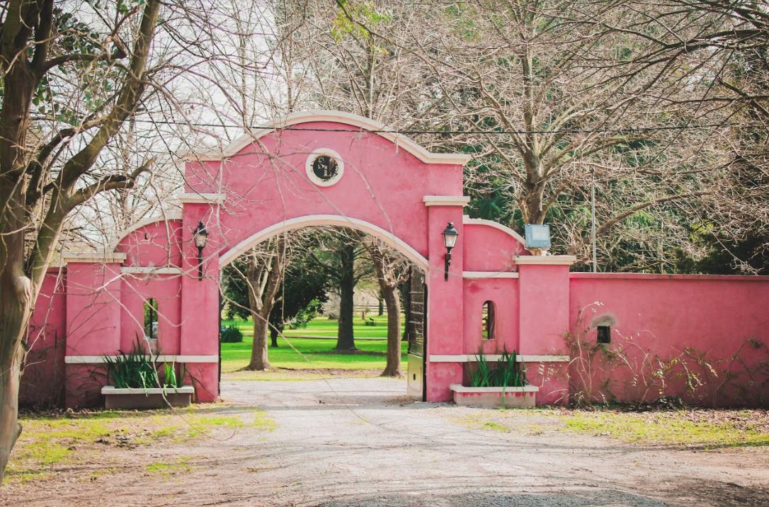 Entrada a Santa Lucia _ Casamiento _ Pilar _ Ar Pilar _ Bodas _ Novios _ Fiesta