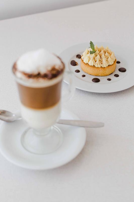 Cake de café y crema de vainilla
